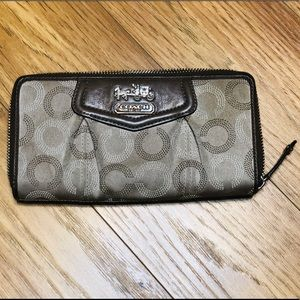Coach Ashley Dotted Op Art Accordion Zip Wallet